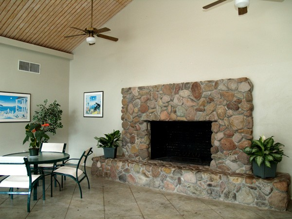 Lounge at Listing #140189