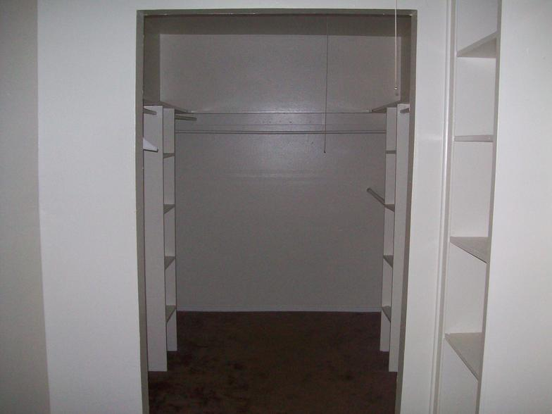 Bedroom at Listing #136822