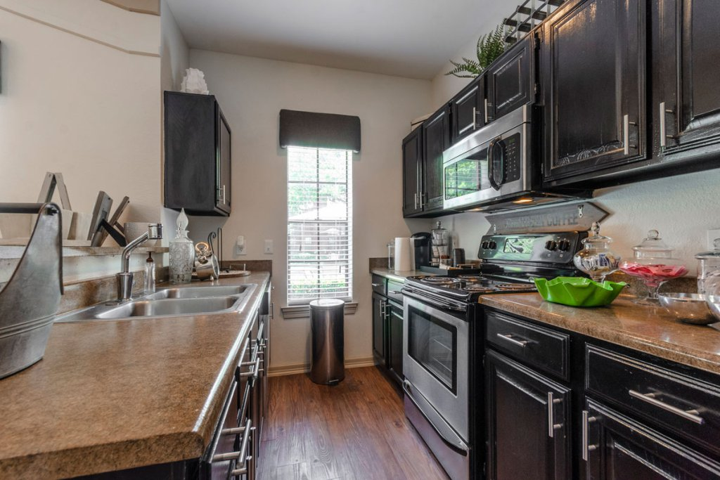 Kitchen at Listing #136722