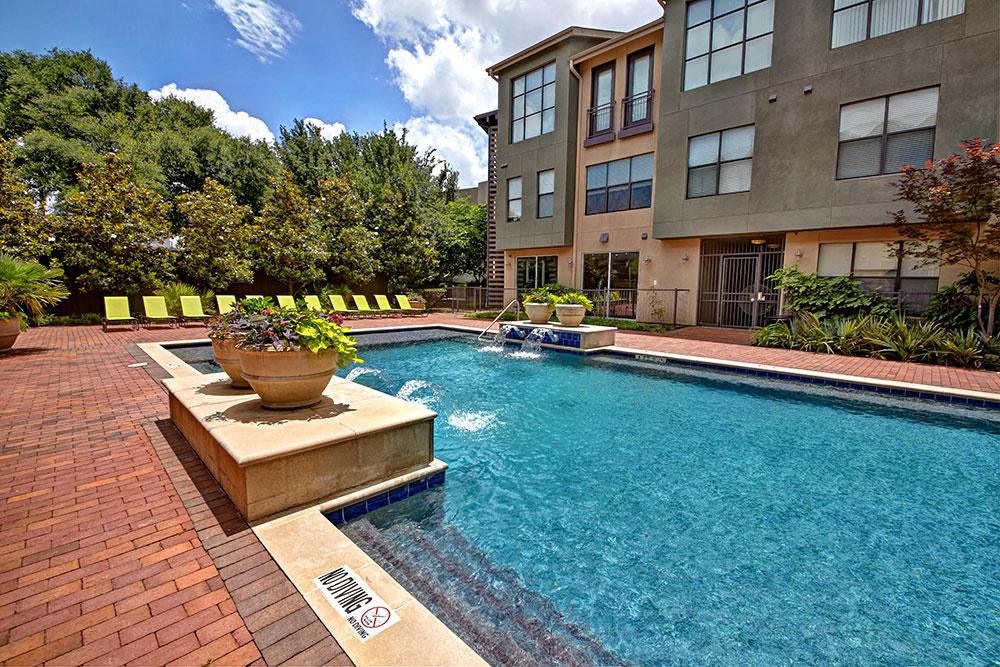 Pool at Listing #144370