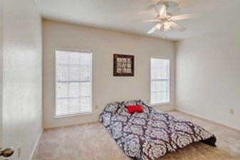Bedroom at Listing #227137