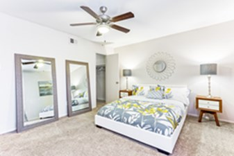 Bedroom at Listing #138704