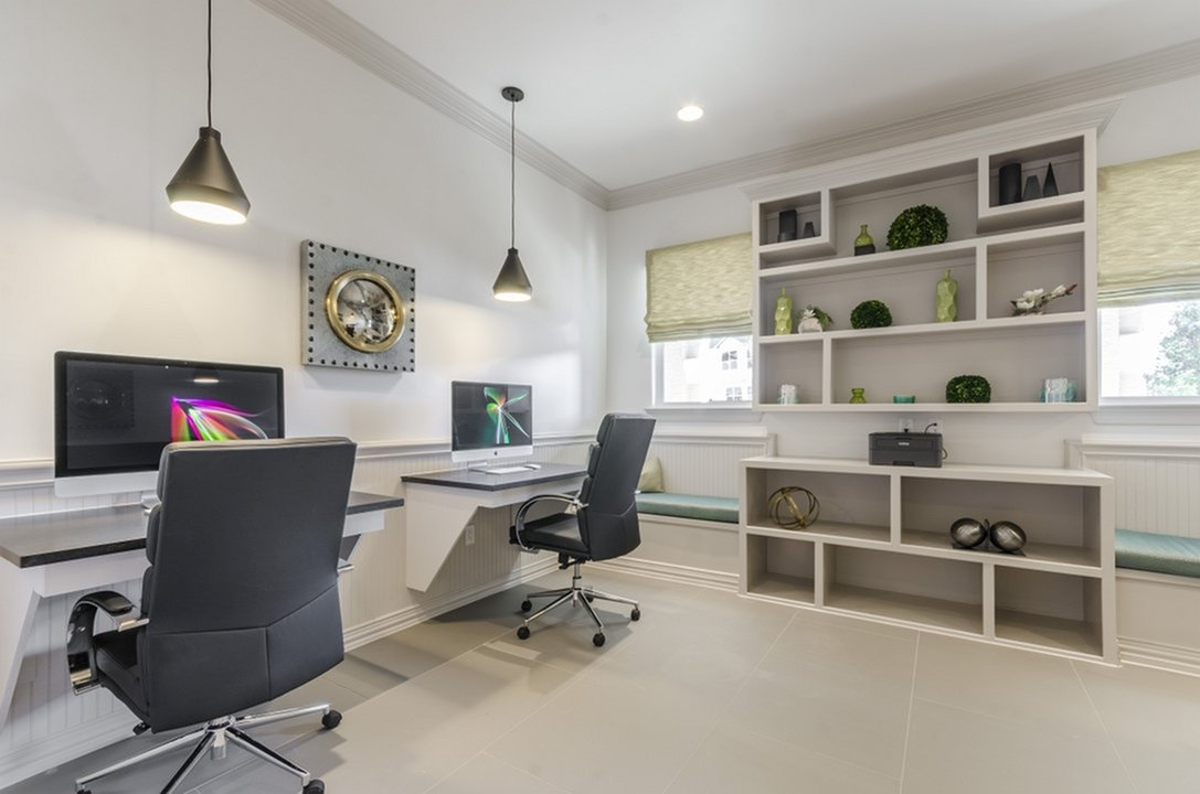 Business Center at Listing #279671