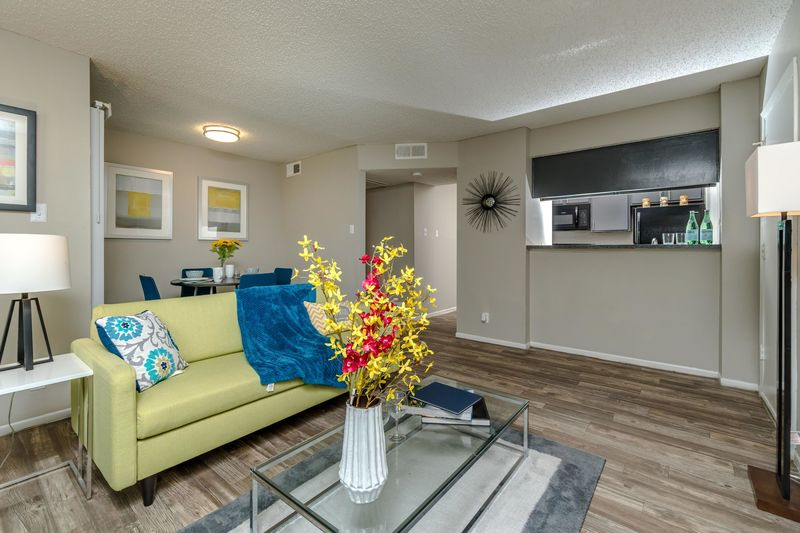 Living Area at Listing #140860
