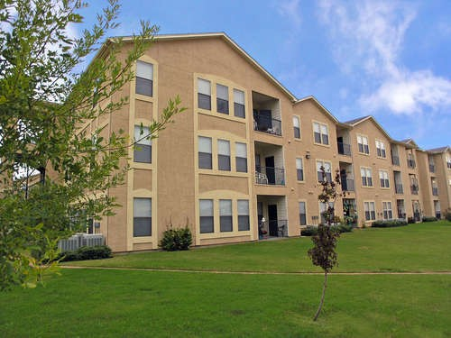 Landings of Carrier Parkway Apartments Grand Prairie TX