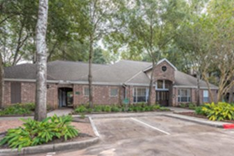 Exterior at Listing #139011