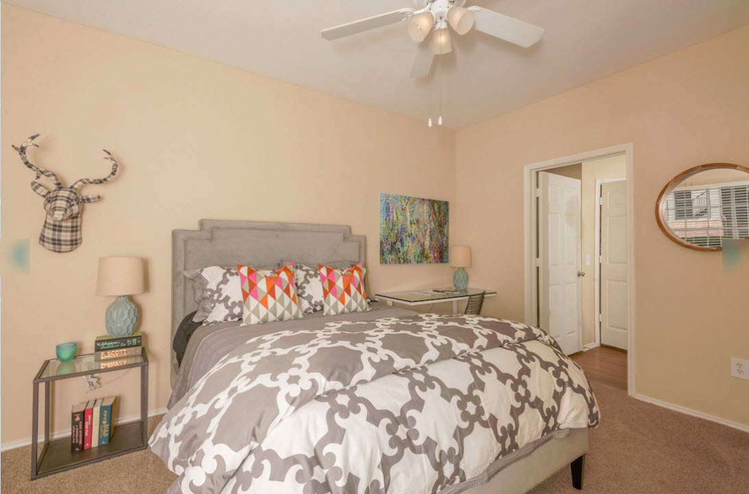 Bedroom at Listing #138423