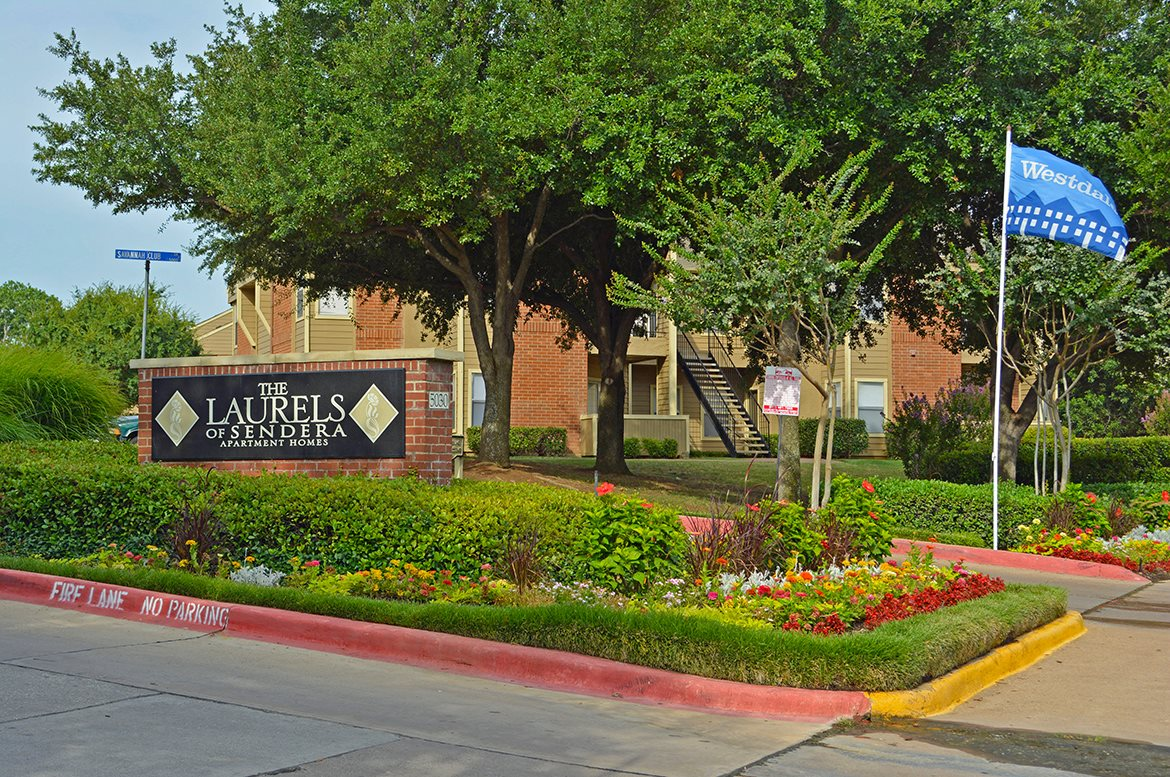 Laurels of Sendera Apartments Arlington, TX