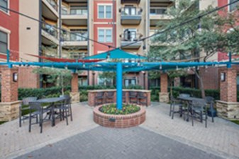 Courtyard at Listing #144962