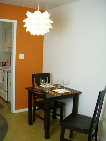 Dining at Listing #143941