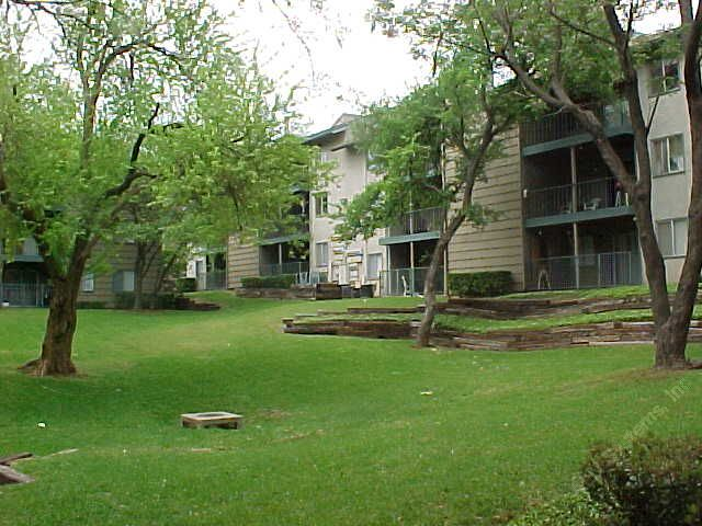 Towne Center Apartments , TX