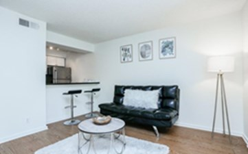 Living at Listing #211836