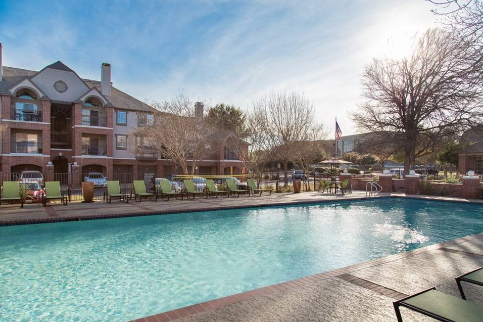 Pool at Listing #140164