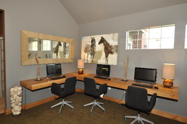 Business Center at Listing #138548