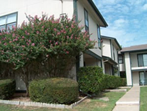 Exterior at Listing #140186