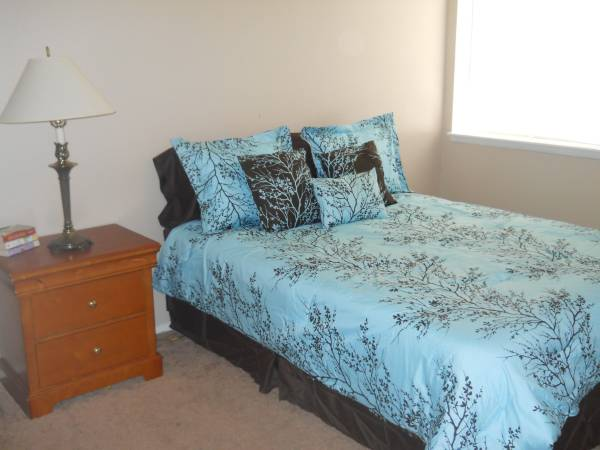 Bedroom at Listing #138447