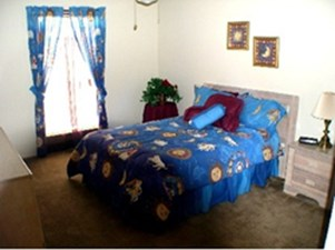 Bedroom at Listing #138699