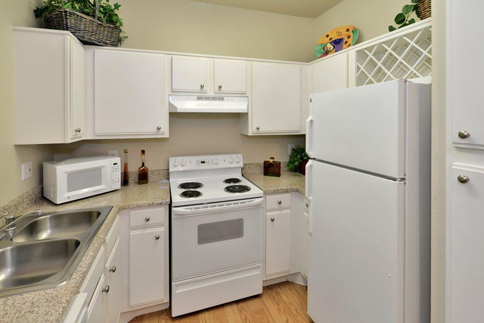 Kitchen at Listing #137686