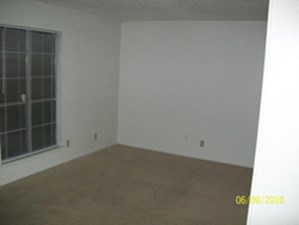 Living at Listing #140618