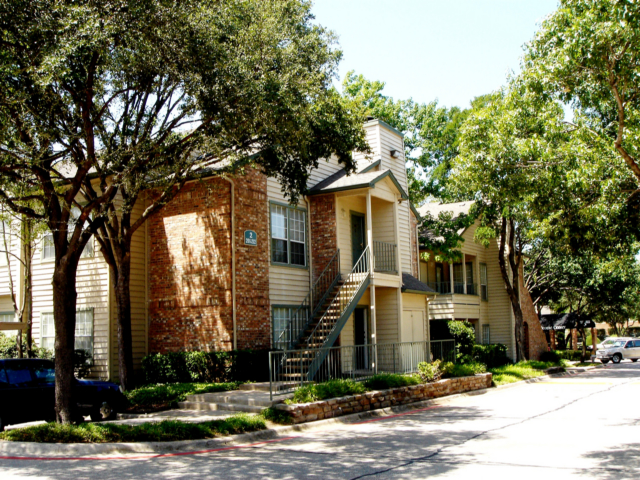Exterior at Listing #136075