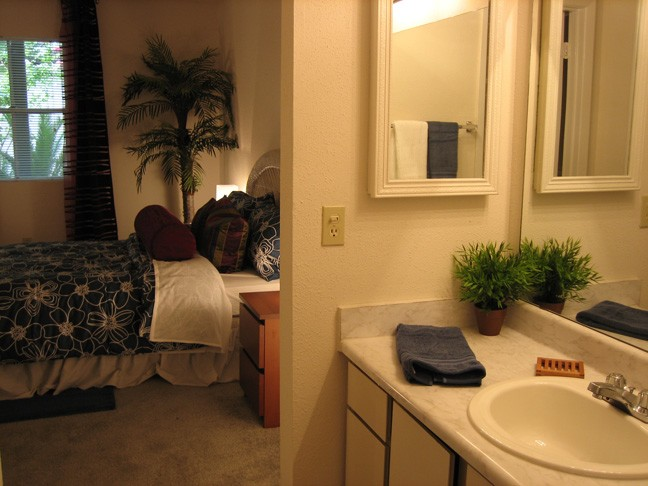 Bathroom at Listing #140524