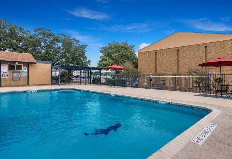 Pool at Listing #141295