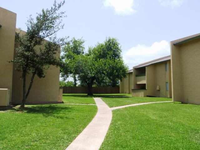 Exterior at Listing #138416