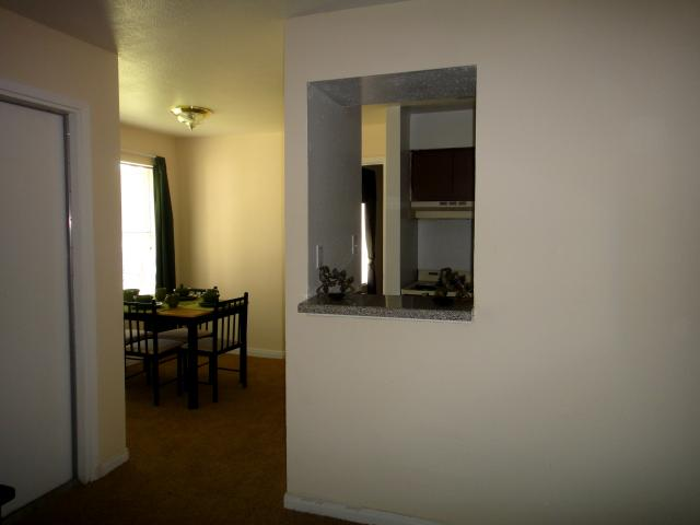 Dining at Listing #139514