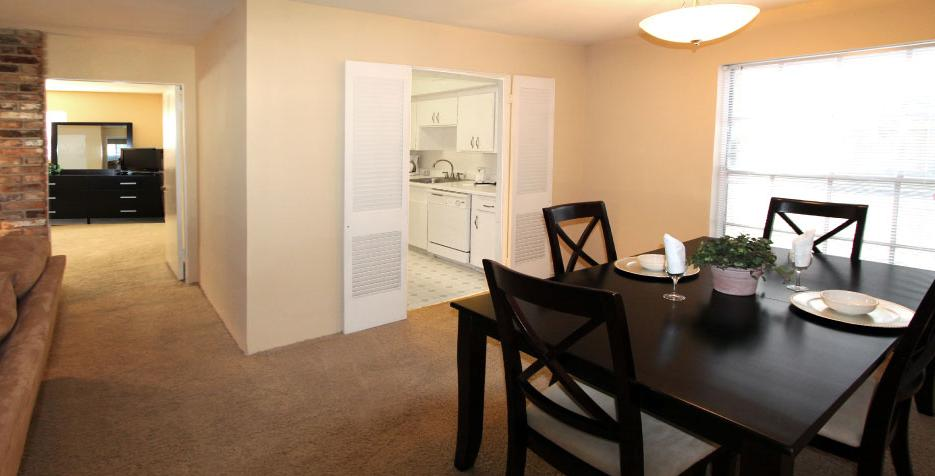 Dining at Listing #138830