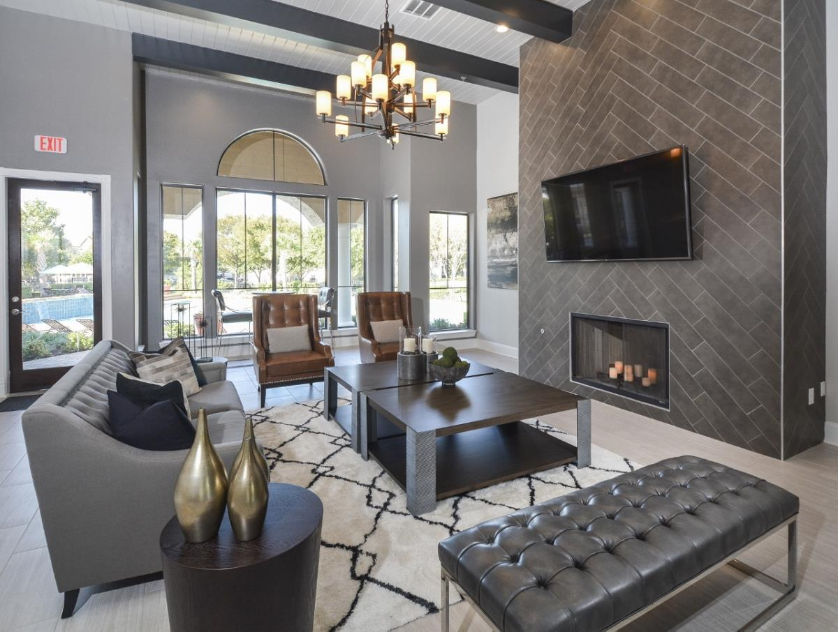 Lounge at Listing #137901