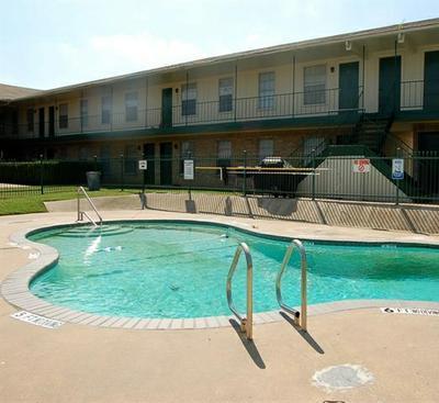 Pool at Listing #137619