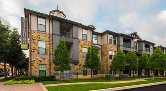 Fitzhugh Urban Flats Apartments Dallas TX