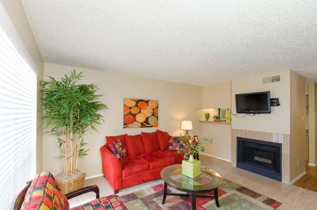 Living at Listing #136912