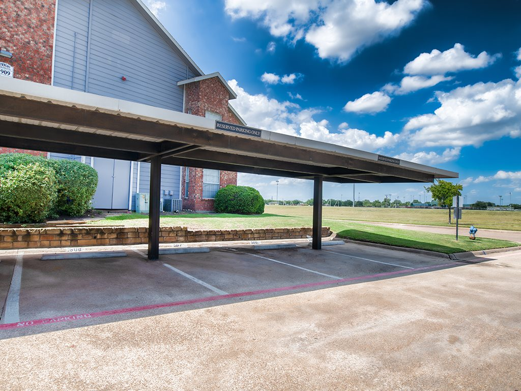 Covered Parking at Listing #136362
