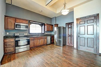 Kitchen at Listing #292990