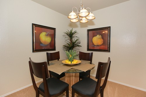 Dining at Listing #140270