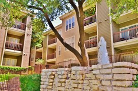 Covington Pointe Apartments Dallas TX