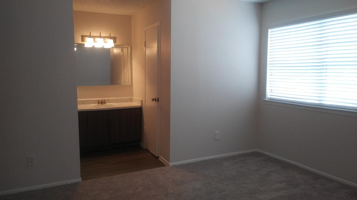 Bedroom at Listing #137115