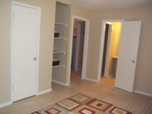 Bedroom at Listing #141349