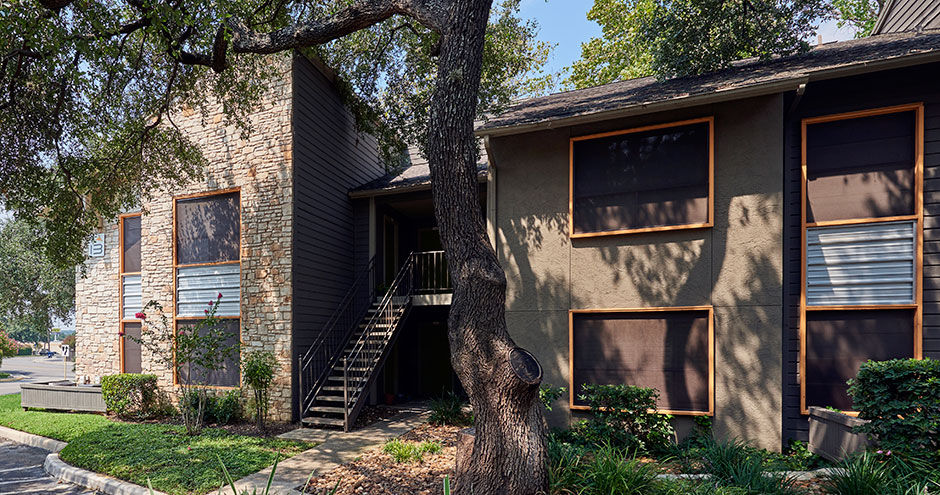 Exterior at Listing #140888