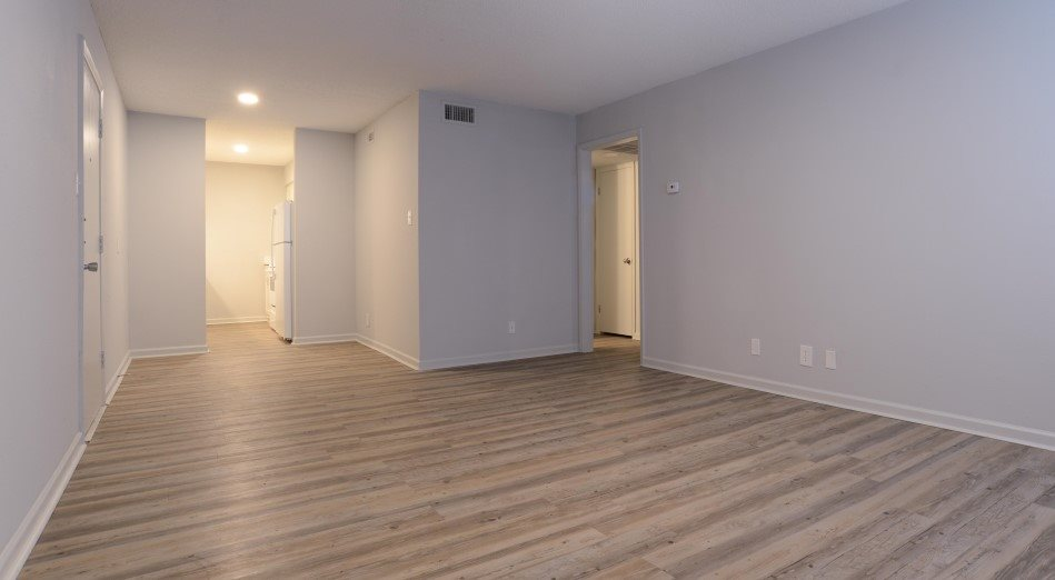 Living Area at Listing #140584