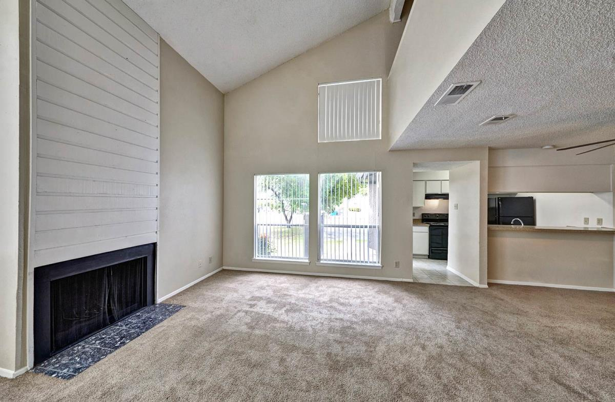 Living at Listing #136078