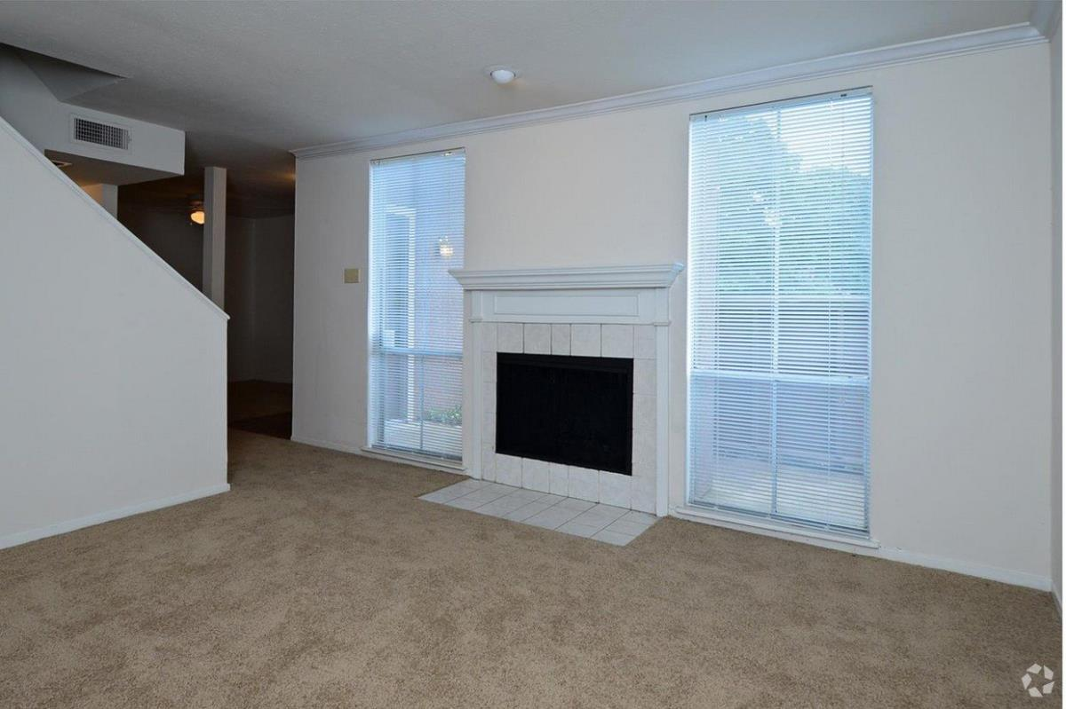 Living at Listing #137551
