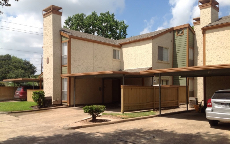 Exterior at Listing #139855