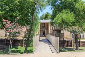 Exterior at Listing #135869
