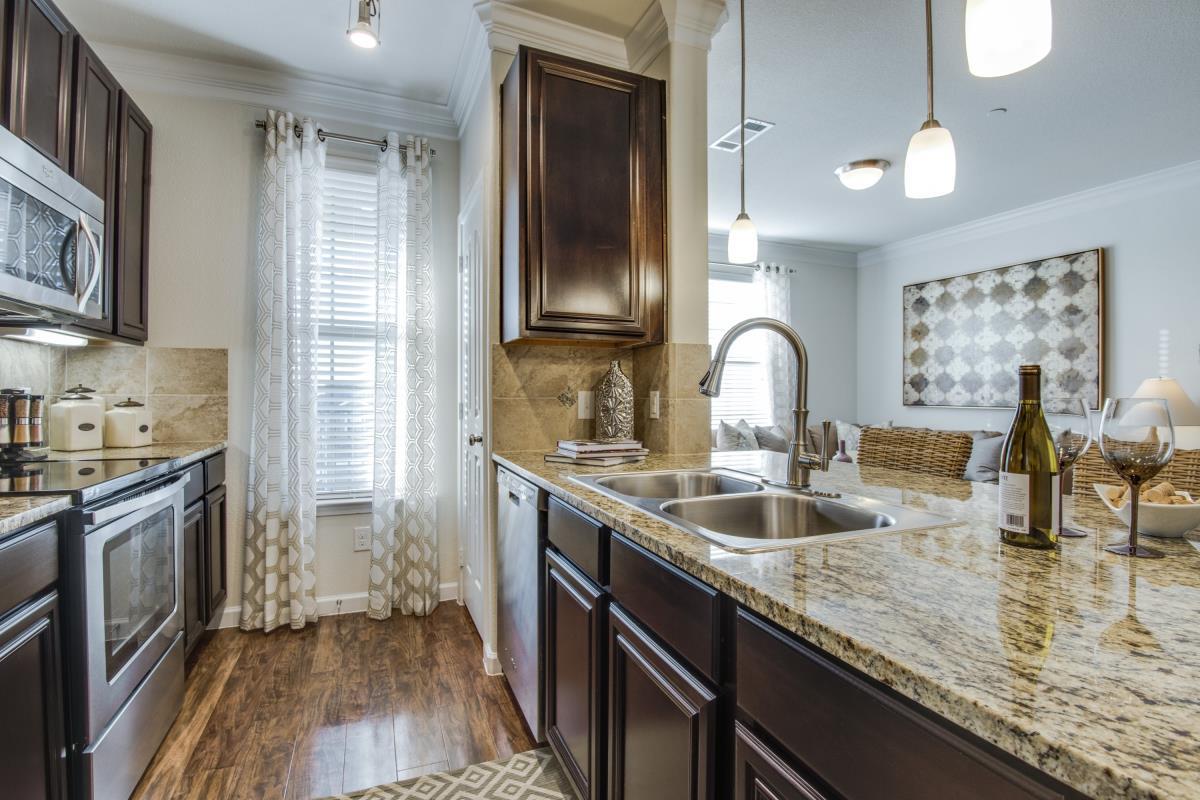 Kitchen at Listing #230344