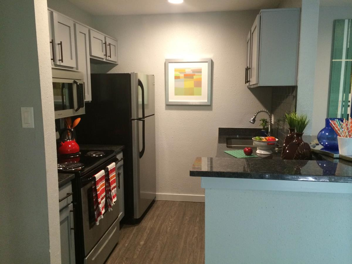 Kitchen at Listing #140220
