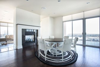 Lounge at Listing #145716