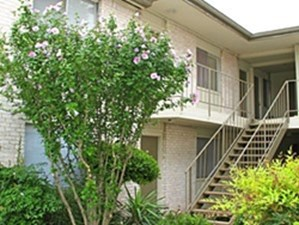 Exterior at Listing #140492