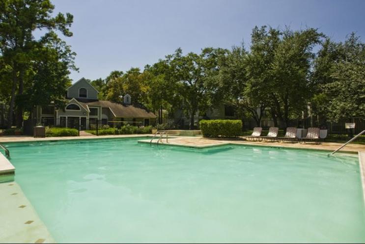Pool at Listing #138644